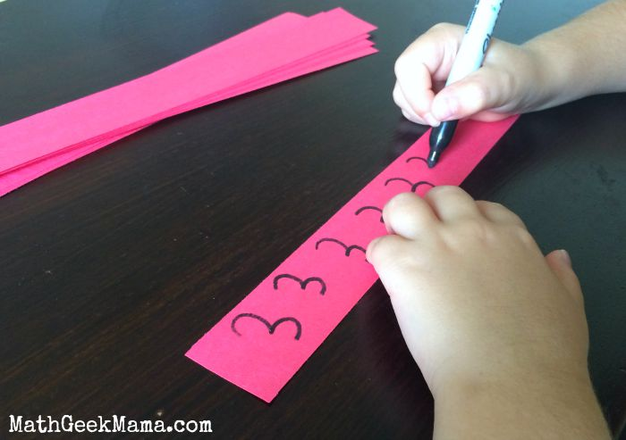 A great way to use your kids' excitement about Disney to learn and practice important early math skills! This idea is fantastic! And so easy!